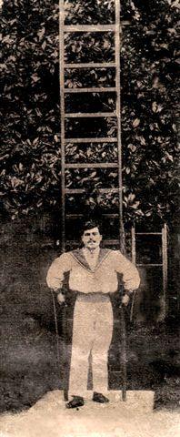 Marcellis avec son Echelle (cf la grande guerre d'un homme de spectacle).